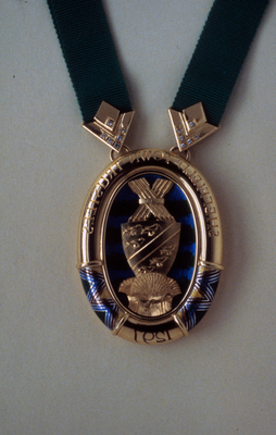 Front of ceremonial badge for Sheffield Town Trustees